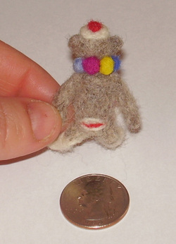 Sock_monkey_back_quarter